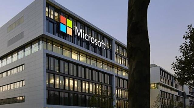 Microsoft Şirketindeki Açığı Fark Eden Çalışan, Servet Sahibi Oldu