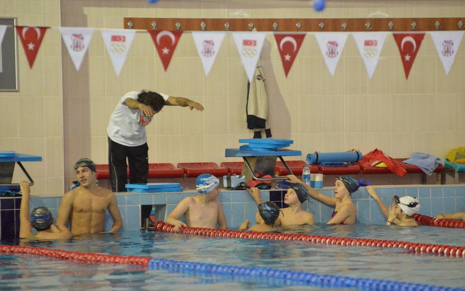 Yüzmenin çocuklara faydaları nelerdir?
